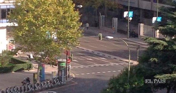 Paquete sospechoso moviliza a la policía en Madrid - Foto: El País