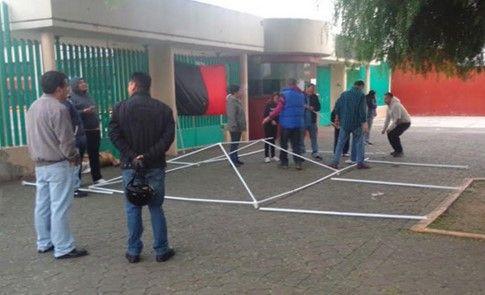Inicia huelga en las 20 preparatorias del DF - Huelga en preparatorias del DF.// Foto de Excélsior