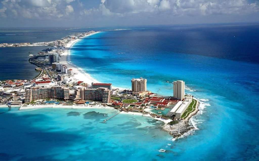 Empresarios reconocen calificación positiva de Moody's a Cancún - Foto de archivo