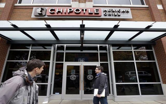 Ochenta estudiantes intoxicados por comer en Chipotle