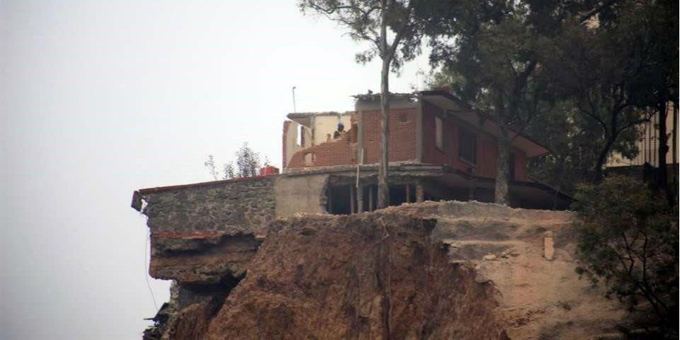 Segunda demolición de talud de Santa Fe - Foto de Reforma