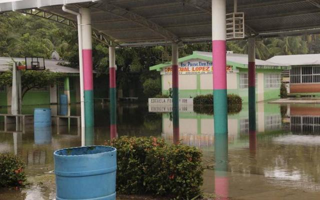 Suspenden clases en tres municipios de Tabasco - Foto de El Universal