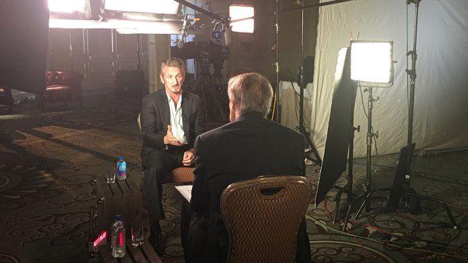 Sean Penn, durante su etrevista con Charlie Rose. Foto de CBS