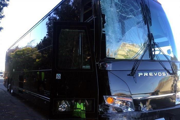 Autobús de los Broncos sufre percance - Foto de Twitter