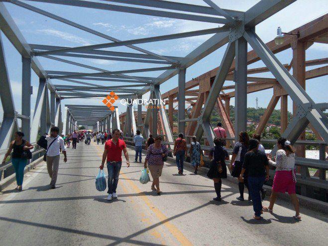 Las personas transbordaron para llegar a su destino. Foto de Quadratín.
