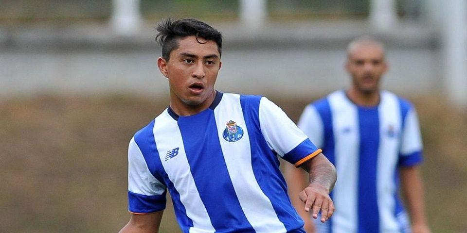 Porto amplía contrato de Omar Govea hasta 2020