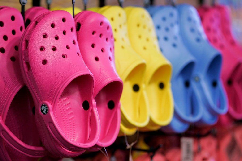 7fd50648d Investigación revela que los Crocs son malos para los pies