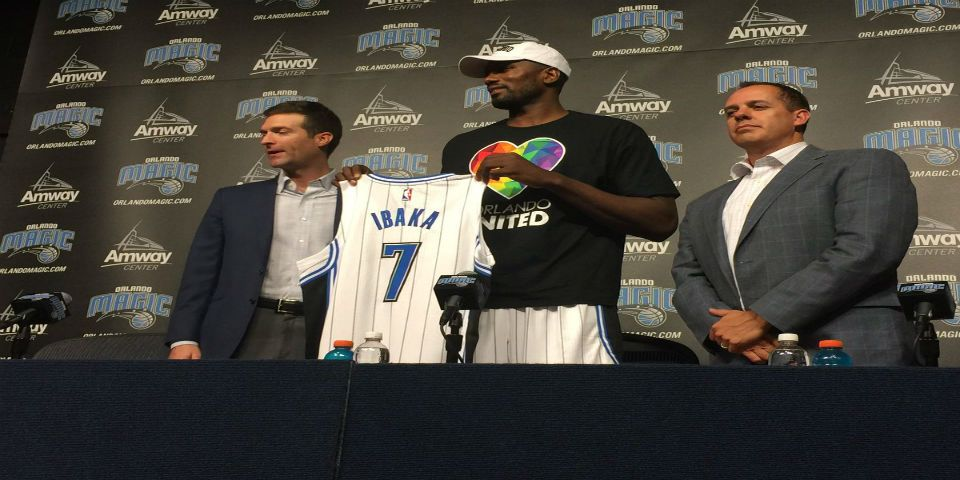Orlando Magic presenta a Serge Ibaka - Foto de Twitter