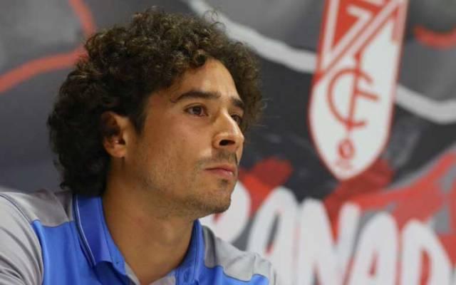 Granada presenta a Guillermo Ochoa - Foto de @GranadaCdeF