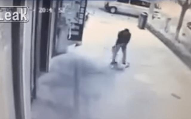 Video: hombre golpea brutalmente a niño de 2 años