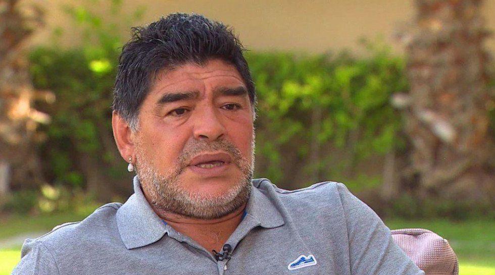 Maradona sugiere rogarle a Messi que vuelva a la selección - Foto de archivo