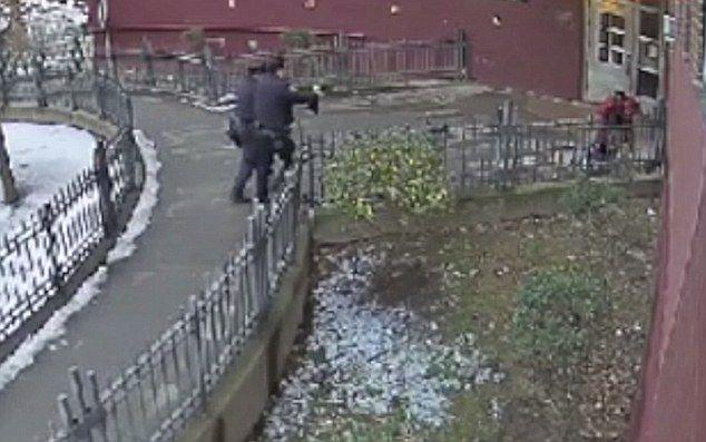 Video: policías de Nueva York balean a joven mientras se rinde - Foto de Internet