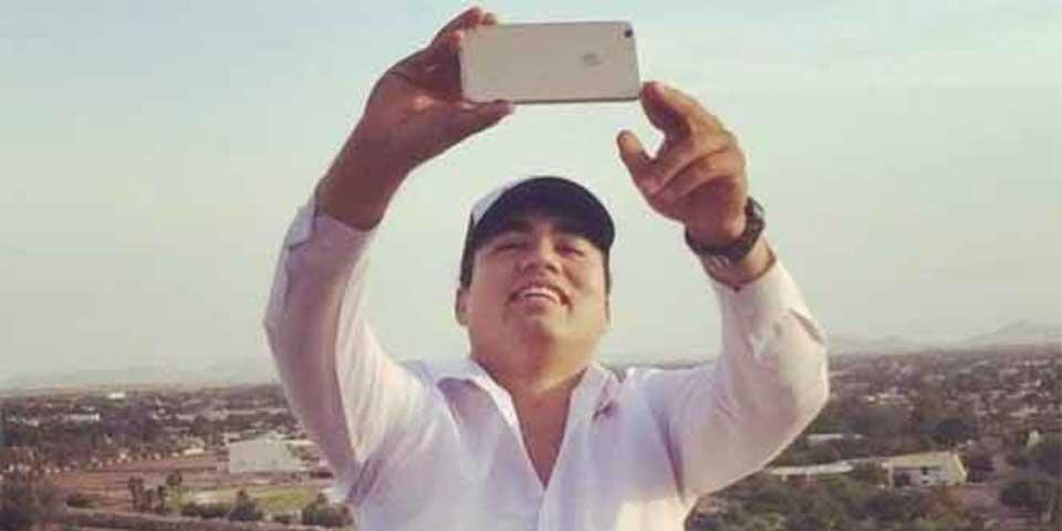 Renuncia funcionario tras burlarse de los que no tienen iPhone 7 - Foto de Facebook