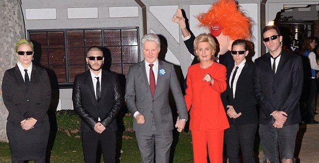 Katy Perry y Orlando Bloom se disfrazan de Hillary Clinton y Donald Trump