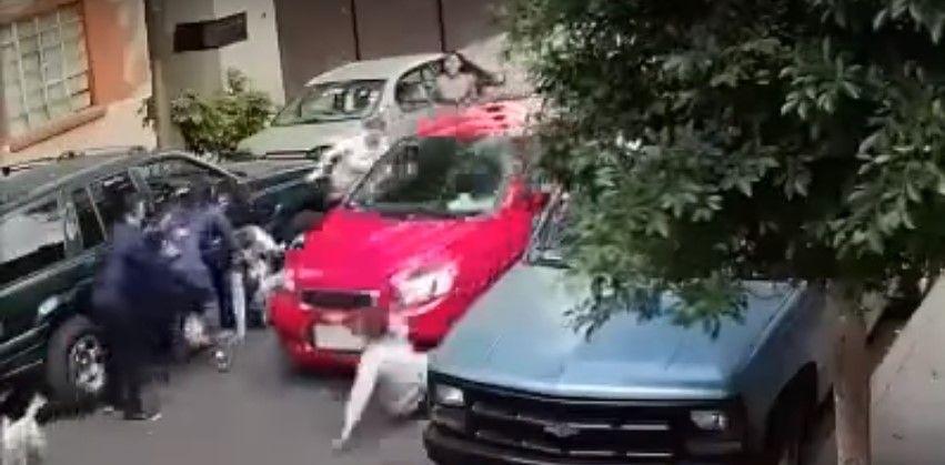 Video: conductor atropella a varias personas en dos ocasiones