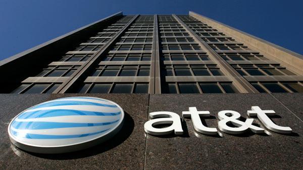 AT&T llega a acuerdo para comprar Time Warner