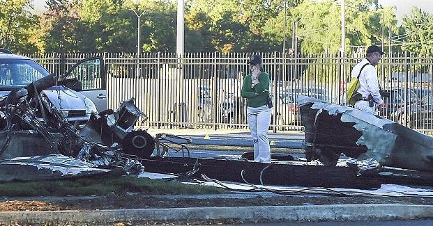 Piloto estrella intencionalmente su avión en Connecticut. Un muerto y 3 heridos