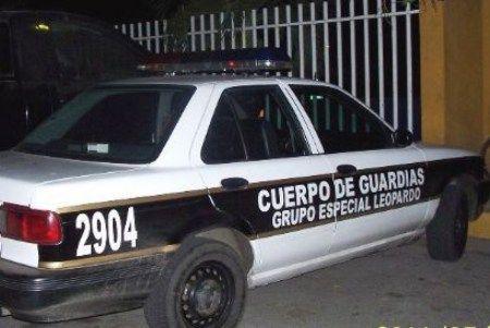 Roban patrulla a policía en Naucalpan - Foto de Internet