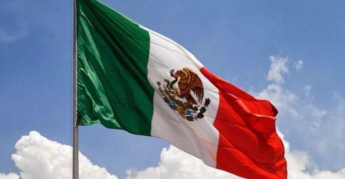 Municipio de Yucatán confunde bandera de México con la de Hungría