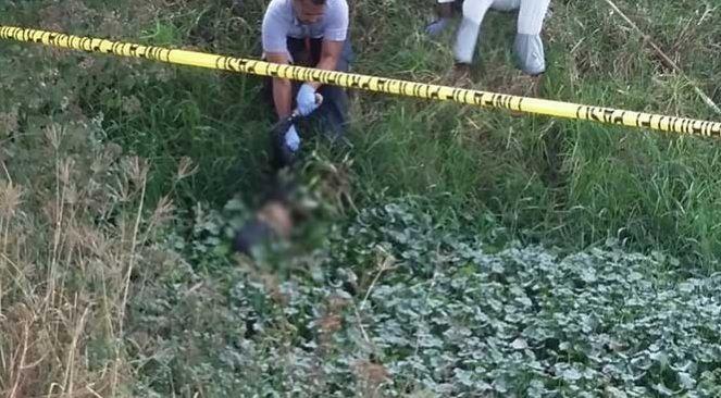 Encuentran cadáver de menor en canal de Michoacán - Foto de Internet