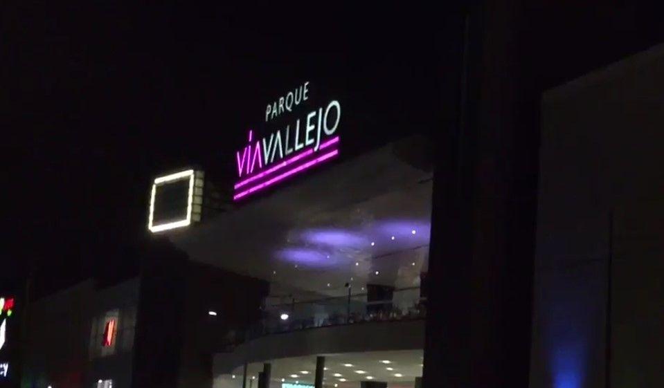 Dos trabajadores mueren aplastados por elevador en Vía Vallejo