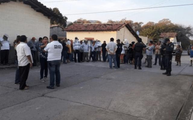 """Autodefensas liberan a 5 personas vinculadas a """"El Tequilero"""""""