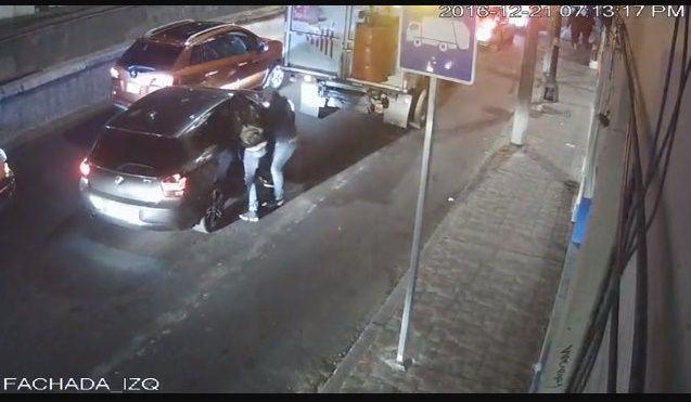 Video: captan asalto a automovilista en Miguel Hidalgo