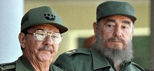 Fidel Castro quiso fusilar a su hermano Raúl - Foto de Internet