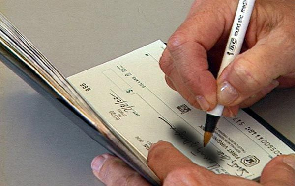 Condusef advierte de nueva forma de fraude con cheques