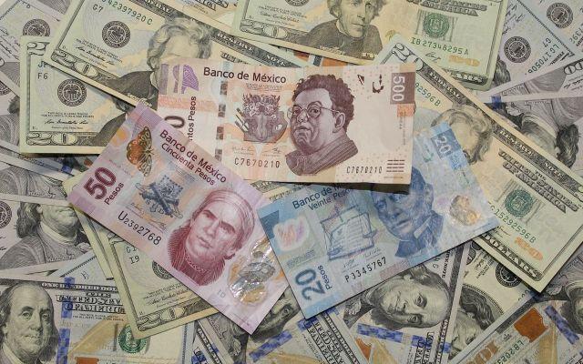 Dólar cierra hasta en 19.20 pesos en bancos - Foto de internet.