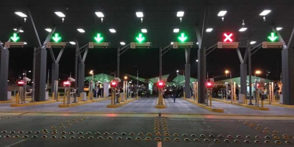 EE.UU. cierra garitas por protestas por 'gasolinazo' - Foto de Brooke Binkowski