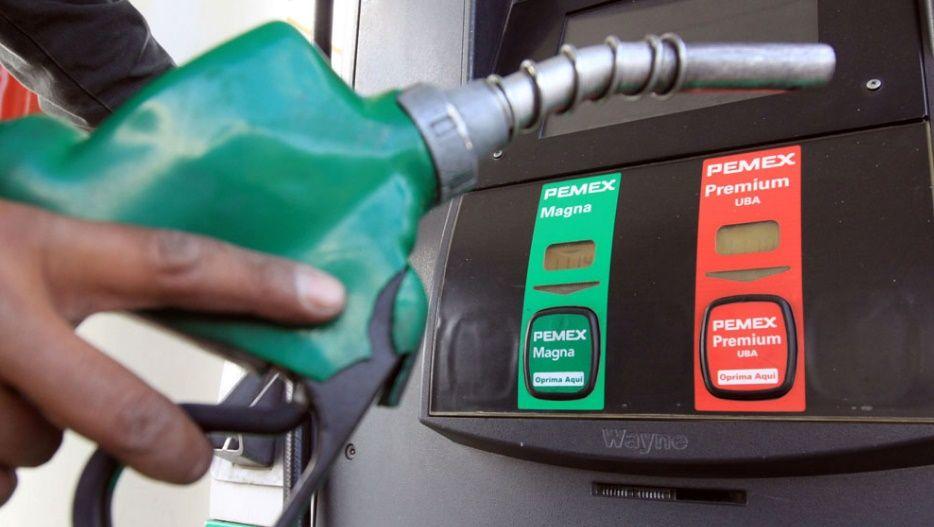 Correcta la decisión de eliminiar subsidios a combustibles: Forbes - Foto de Archivo