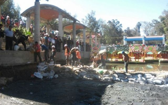 Descartan riesgo por grieta en canal de Xochimilco - Foto de Notimex