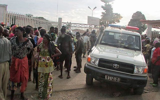 Estampida en estadio de Angola deja 17 muertos - Foto de jovensdabanda.