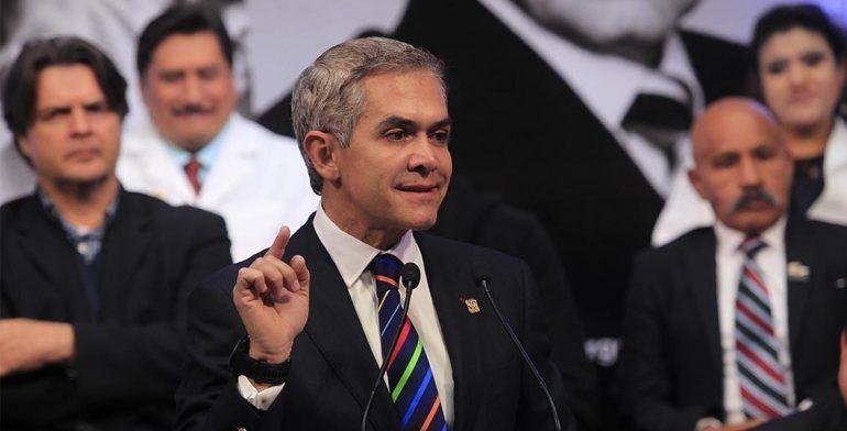 Fotomultas seguirán operando: Mancera - Foto de Quadratín