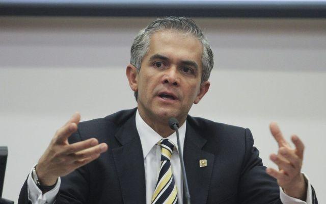 Anuncia Mancera inversión millonaria para modernización de Locatel - Foto de Internet