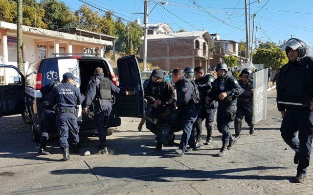 Detienen a 15 comuneros en Michoacán - Foto de @DenunciaMichMX