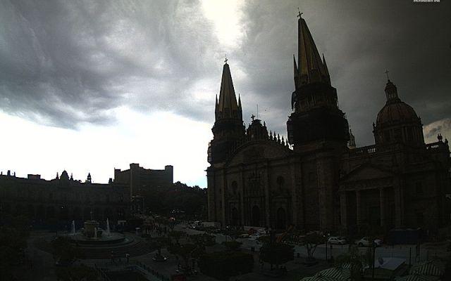 Universidades de Jalisco revalidarán estudios de migrantes deportados a México