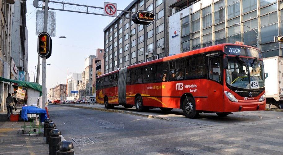 Metrobús anuncia cierre de estaciones por Batalla de Puebla