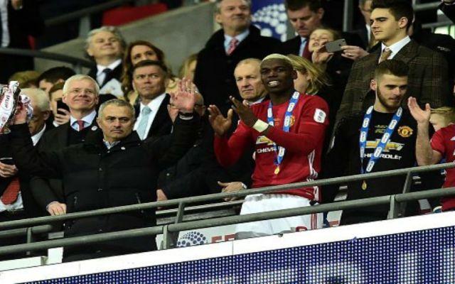 Mourinho consigue la Copa de la Liga con el Manchester United - Foto de @SC_ESPN