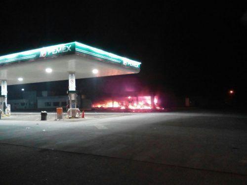 Incendian sucursal de Oxxo en Lázaro Cárdenas - Foto de Noticias en Michoacan