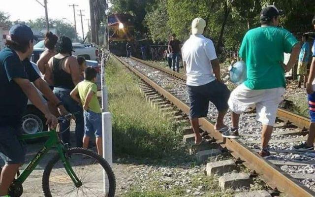 Tren arrolla a menor mientras veía su celular en Tamaulipas