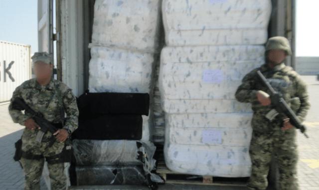 Aseguran más de cien kilogramos de cocaína en Lázaro Cárdenas - Foto de Twitter @SEMAR_mx