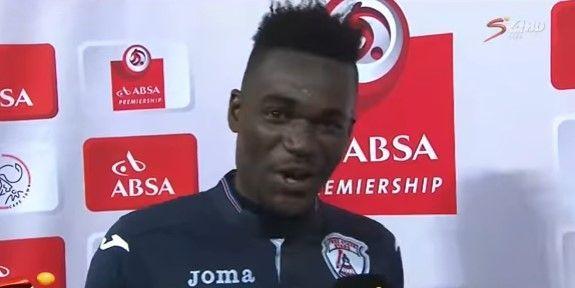 #Video Futbolista manda saludos a su esposa y a su novia