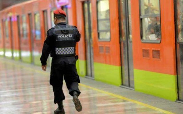 SSP agrega mil 885 elementos para combatir ambulantaje en el Metro