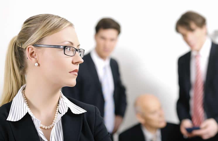 Atribuyen al sexismo problemas por aire acondicionado en oficinas