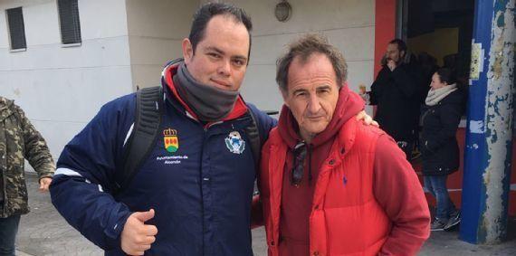 Entrenador mexicano dirige club juvenil de futbol español - Foto de ESPN