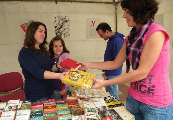 Convoca Amazon a intercambio de libros en la Condesa - Foto de Internet