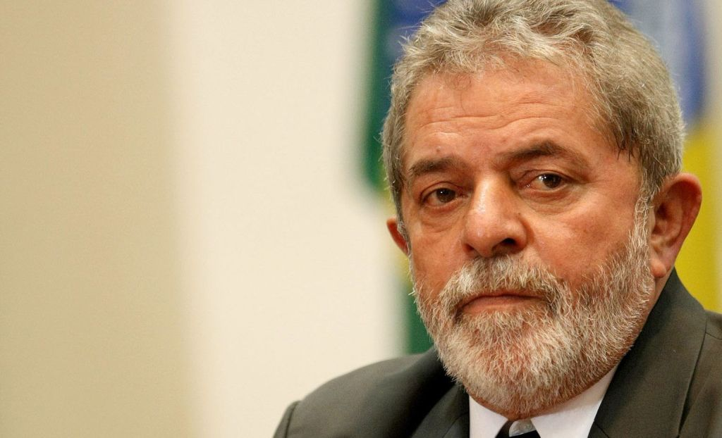 Lula Da Silva sería favorito en elecciones presidenciales pese a escándalos - Foto de AE