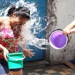 Las multas para quien desperdicie agua en Sábado de Gloria - Foto de Internet